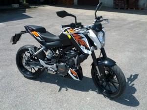 """KTM """"Duke"""" 125"""